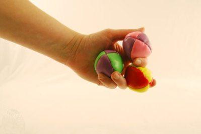 Juggle Balls in hand (morguefile)