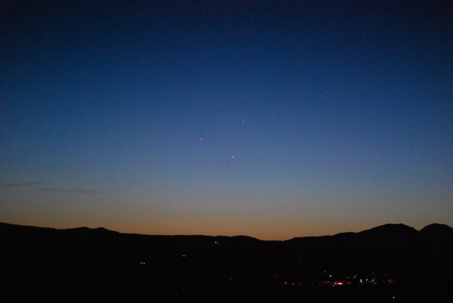 Awesome triple planetary conjunction. Photo: Jenny Williams