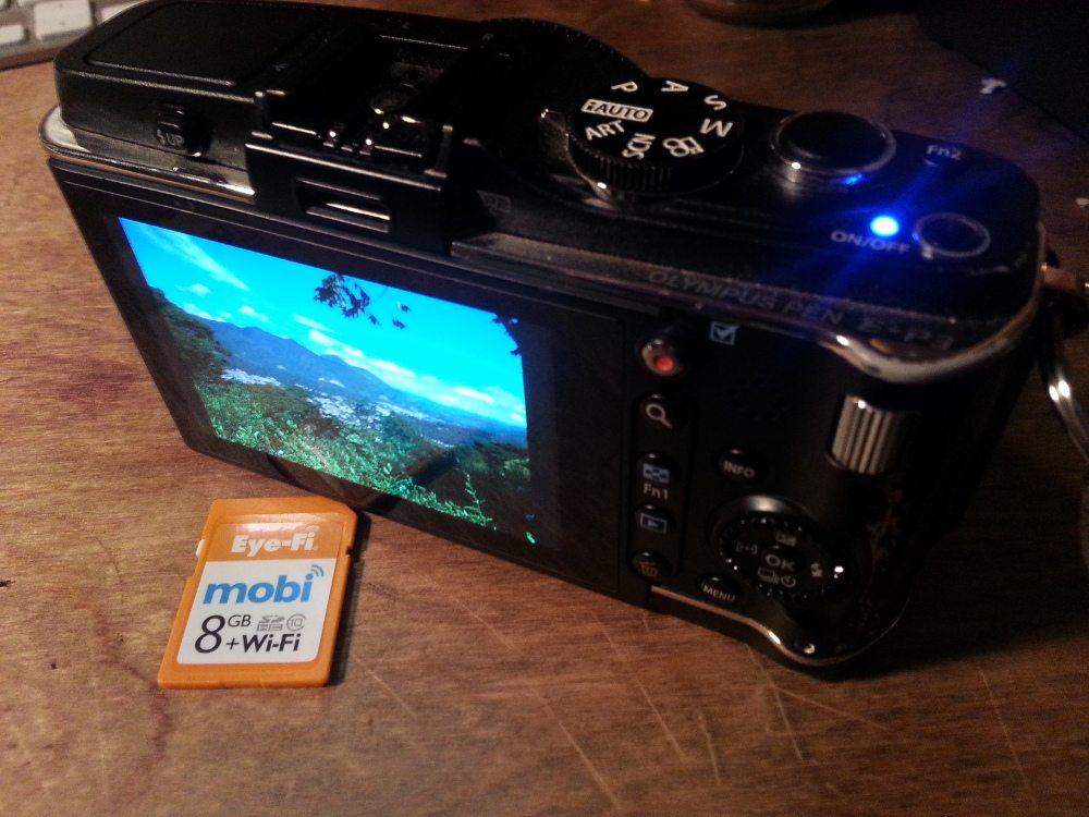 Photo of Eye-Fi Mobi 8GB and Olympus E-P3 by Anton Olsen