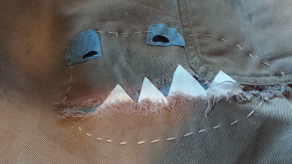 make a monster jeans patch,
