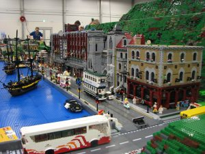 A fabulous fan built Lego port