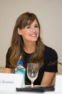 "Jennifer Garner completes her transition from ""action star"" to ""ideal Mom"" roles."
