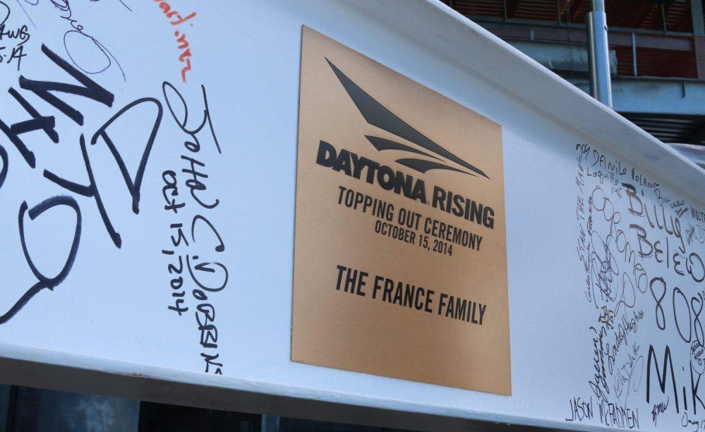 The topping beam at Daytona International Speedway, image via DIS