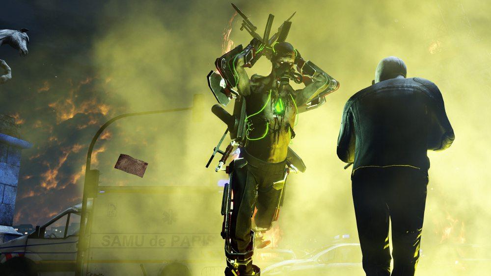 Creeping looking green-glowing Hans Volter attacking.