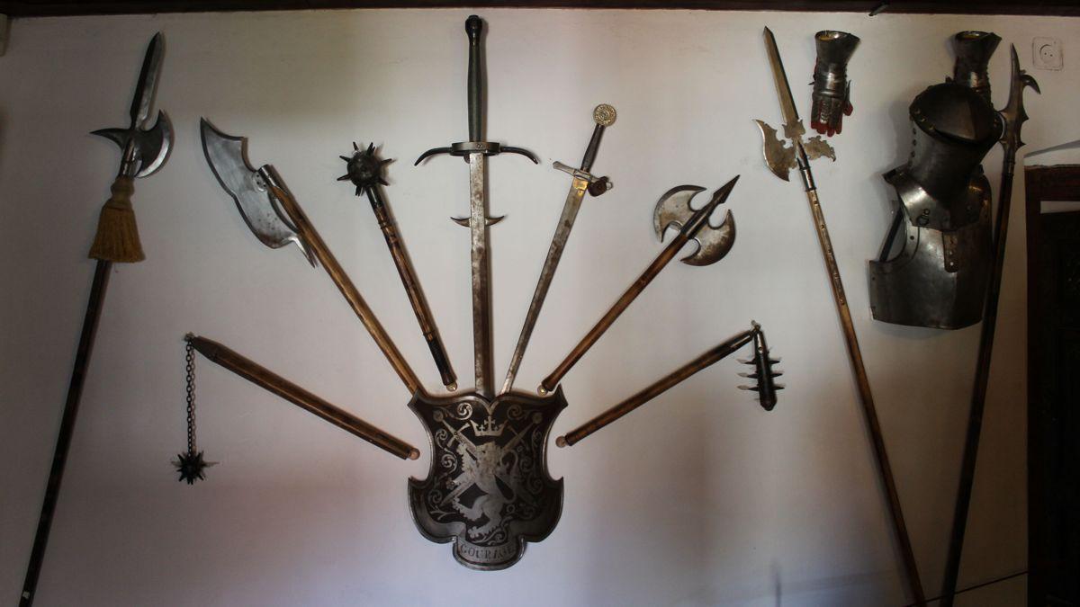 Weapons on display iN Bran Castle.