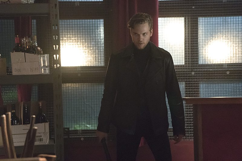 "Arrow -- ""The Candidate"" -- Image AR402A_0256b -- Pictured: Alexander Calvert as Lonnie Machin -- Photo: Katie Yu /The CW -- �© 2015 The CW Network, LLC. All Rights Reserved."
