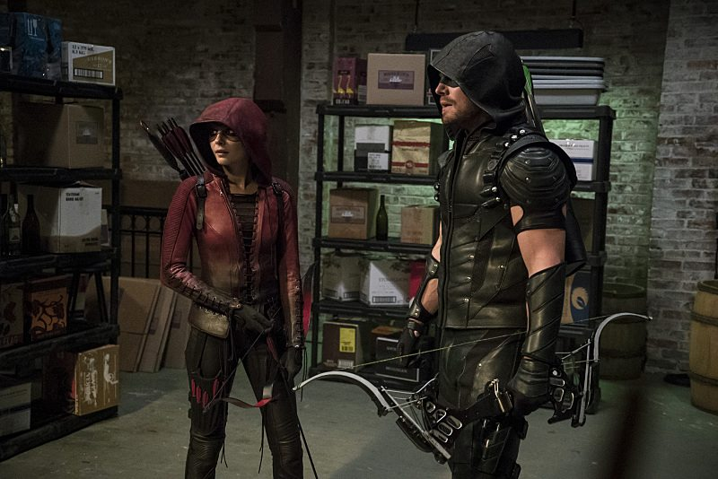 "Arrow -- ""The Candidate"" -- Image AR402A_0527b-- Pictured (L-R): Willa Holland as Speedy and Stephen Amell as The Arrow -- Photo: Katie Yu /The CW -- �© 2015 The CW Network, LLC. All Rights Reserved."