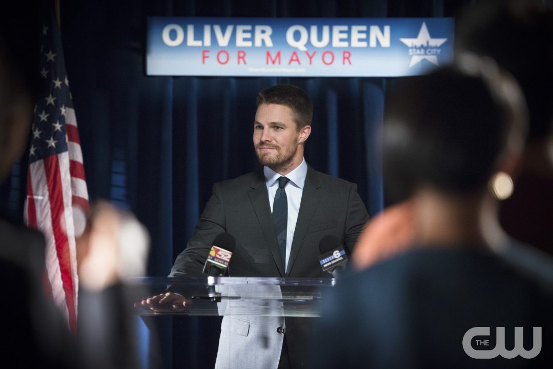 "Arrow -- ""Beyond Redemption"" -- Image AR405A_0180b.jpg -- Pictured: Stephen Amell as Oliver Queen -- Photo: Diyah Pera/ The CW -- �© 2015 The CW Network, LLC. All Rights Reserved"