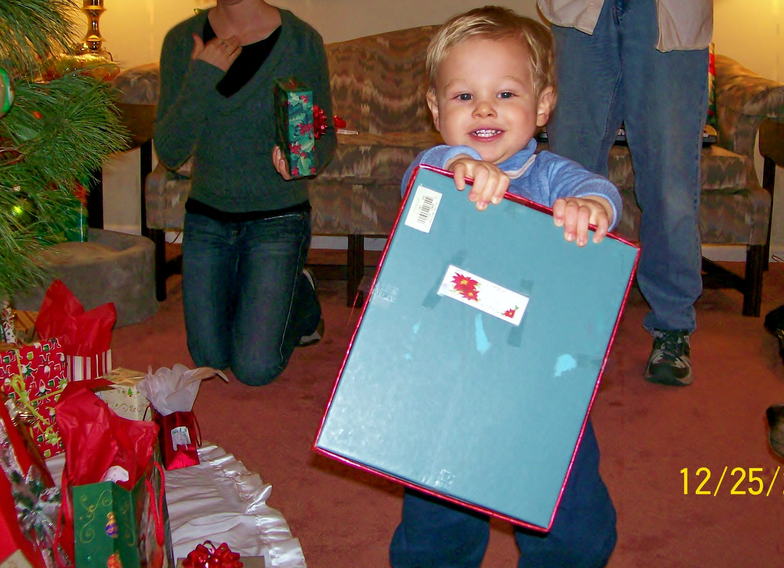 Even the youngest person can learn to be Santa