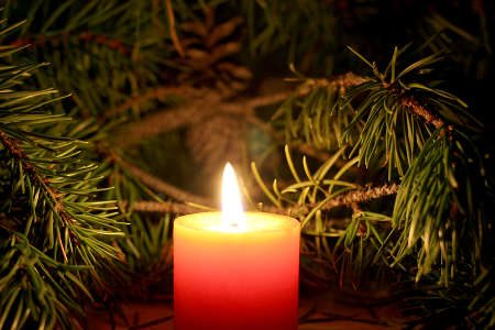 http://www.torange.us/Backgrounds-textures/Beautiful-Christmas-candle-24633.html (CC BY 4.0)