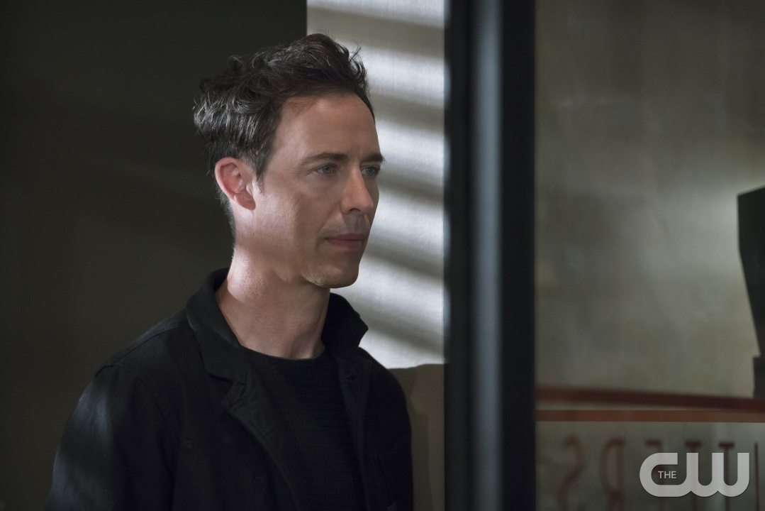 """The Flash -- """"The Darkness and the Light"""" -- Image FLA205A_0285b.jpg -- Pictured: Tom Cavanagh as Harrison Wells -- Photo: Katie Yu/The CW -- �© 2015 The CW Network, LLC. All rights reserved."""