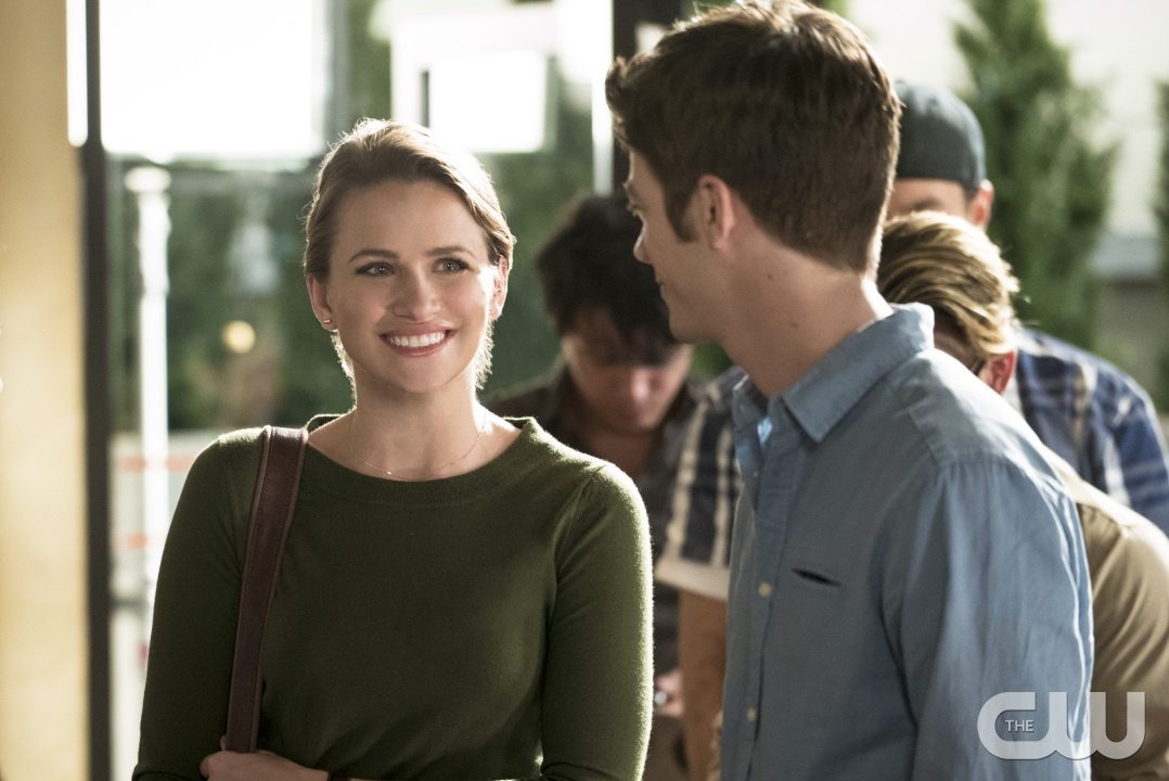 """The Flash -- """"The Darkness and the Light"""" -- Image FLA205A_0063b.jpg -- Pictured (L-R): Shantel VanSanten as Patty Spivot and Grant Gustin as Barry Allen -- Photo: Katie Yu/The CW -- �© 2015 The CW Network, LLC. All rights reserved."""