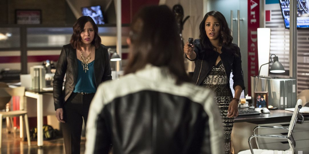"""The Flash -- """"The Darkness and the Light"""" -- Image FLA205B_0131b.jpg -- Pictured (L-R): Malese Jow as Linda Park and Candice Patton as Iris West -- Photo: Cate Cameron/The CW -- �© 2015 The CW Network, LLC. All rights reserved."""