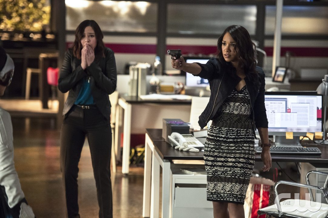 """The Flash -- """"The Darkness and the Light"""" -- Image FLA205B_0103b.jpg -- Pictured (L-R): Malese Jow as Linda Park and Candice Patton as Iris West -- Photo: Cate Cameron/The CW -- �© 2015 The CW Network, LLC. All rights reserved."""