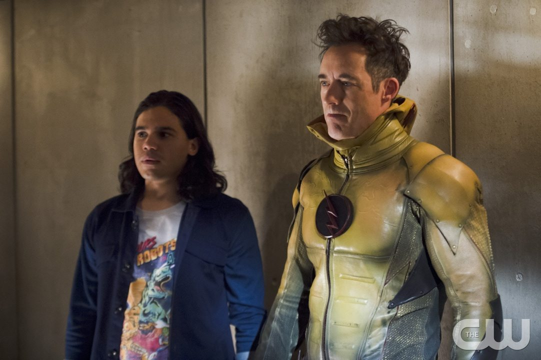"""The Flash -- """"Gorilla Warfare"""" -- Image FLA207B_0178b.jpg -- Pictured (L-R): Carlos Valdes as Cisco Ramon and Tom Cavanagh as Harrison Wells -- Photo: Cate Cameron/The CW -- �© 2015 The CW Network, LLC. All rights reserved."""