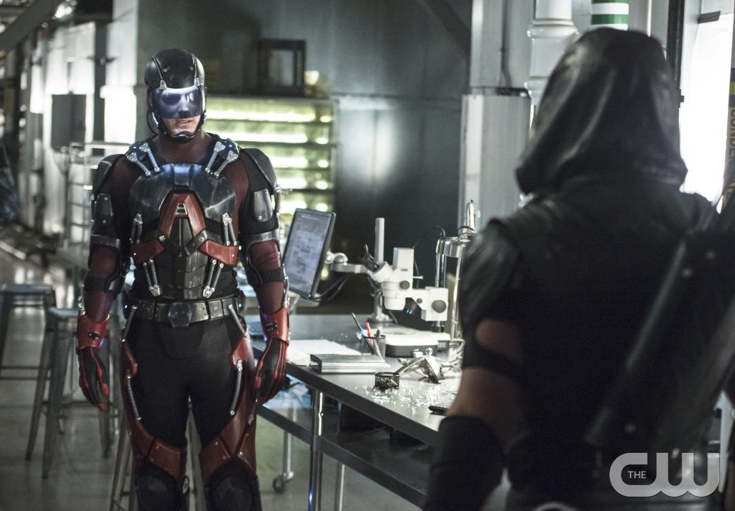 """Arrow -- """"Lost Souls"""" -- Image AR406A_0251b.jpg -- Pictured: Brandon Routh as Atom -- Photo: Cate Cameron/ The CW -- �© 2015 The CW Network, LLC. All Rights Reserved."""