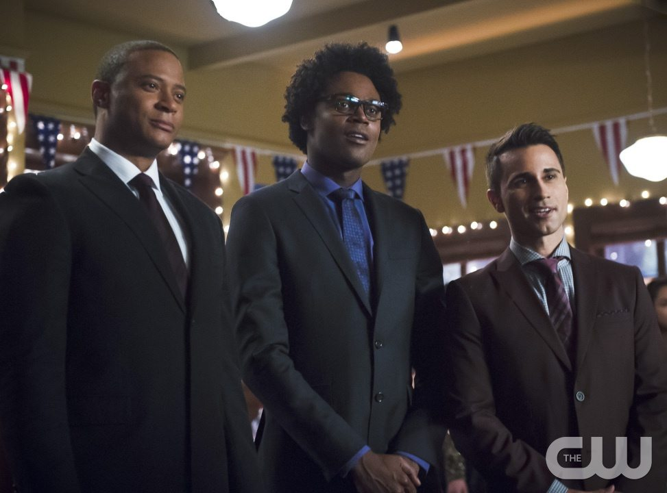 "Arrow -- ""Dark Waters"" -- Image AR409B_0071b.jpg -- Pictured (L-R): David Ramsey as John Diggle, Echo Kellum as Curtis Holt and Chenier Hundal as Paul -- Photo: Diyah Pera/ The CW -- �© 2015 The CW Network, LLC. All Rights Reserved."