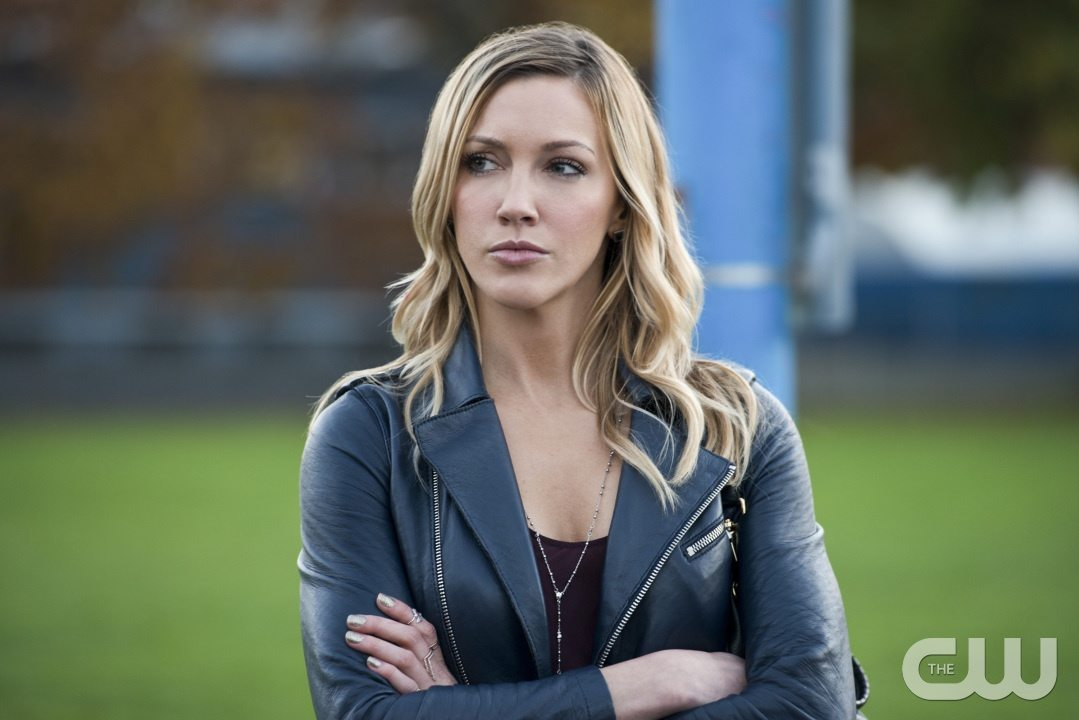 "Arrow -- ""Dark Waters"" -- Image AR409A_0278b.jpg -- Pictured: Katie Cassidy as Laurel Lance -- Photo: Diyah Pera/ The CW -- �© 2015 The CW Network, LLC. All Rights Reserved."