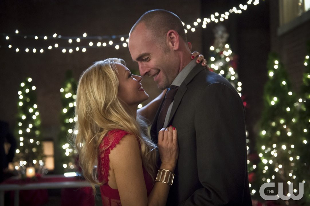 "Arrow -- ""Dark Waters"" -- Image AR409B_0042b.jpg -- Pictured (L-R): Charlotte Ross as Donna Smoak and Paul Blackthorne as Detective Quentin Lance -- Photo: Diyah Pera/ The CW -- �© 2015 The CW Network, LLC. All Rights Reserved."