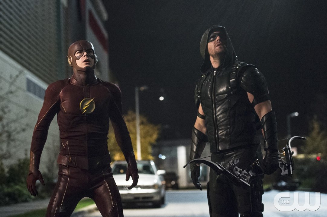 """The Flash -- """"Legends of Today"""" -- Image FLA208B_0295b.jpg -- Pictured (L-R): Grant Gustin as The Flash and Stephen Amell as The Arrow -- Photo: Cate Cameron/The CW -- �© 2015 The CW Network, LLC. All rights reserved."""