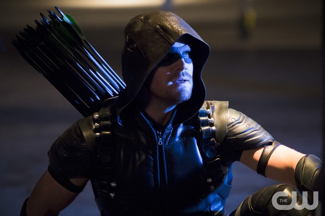 """Arrow -- """"Legends of Yesterday"""" -- Image AR408B_0314b.jpg -- Pictured: Stephen Amell as The Arrow -- Photo: Katie Yu/ The CW -- �© 2015 The CW Network, LLC. All Rights Reserved."""