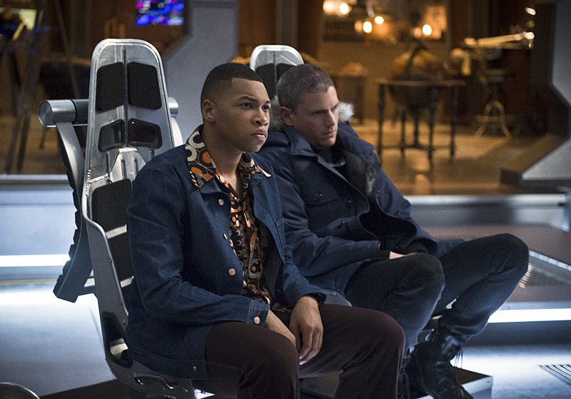 """DC's Legends of Tomorrow -- """"Pilot, Part 2"""" -- Image LGN102_20150930_0159b.jpg -- Pictured (L-R): Franz Drameh as Jefferson """"Jax"""" Jackson and Wentworth Miller as Leonard Snart/Captain Cold -- Photo: Diyah Perah/The CW -- �© 2015 The CW Network, LLC. All Rights Reserved."""