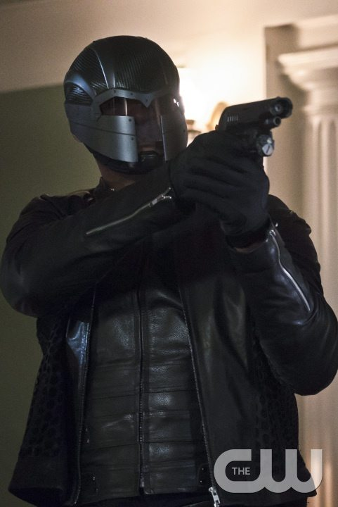 """Arrow -- """"Blood Debts"""" -- Image AR410B_0220b.jpg -- Pictured: David Ramsey as John Diggle -- Photo: Katie Yu/ The CW -- �© 2015 The CW Network, LLC. All Rights Reserved."""