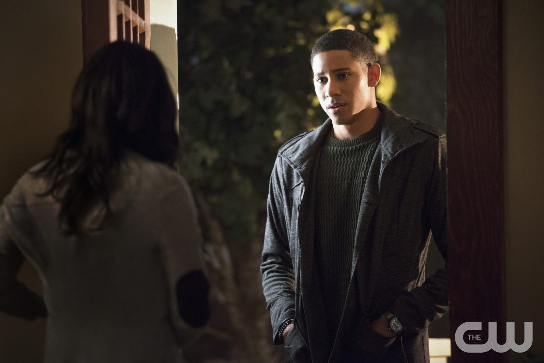 """The Flash -- """"The Reverse Flash Returns"""" -- Image FLA211a_0418b -- Pictured (L-R): Candice Patton as Iris West and Keiynan Lonsdale as Wally West -- Photo: Diyah Pera/The CW -- �© 2016 The CW Network, LLC. All rights reserved."""
