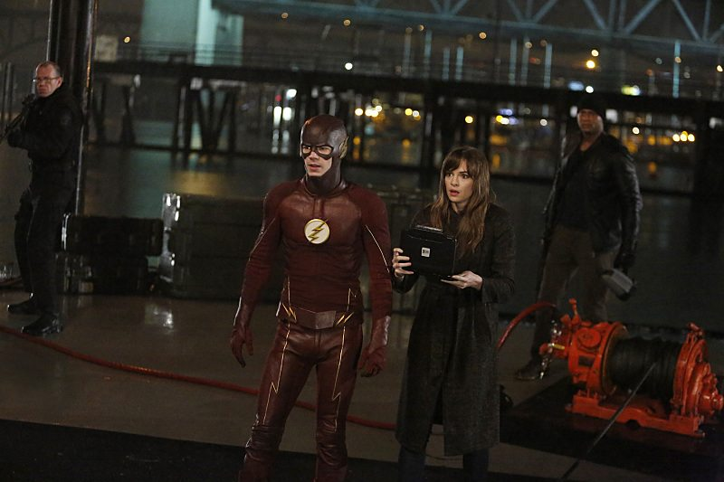 """The Flash -- """"King Shark"""" -- Image FLA215b_0120 -- Pictured (L-R): Grant Gustin as Barry Allen / The Flash, Danielle Panabaker as Caitlin Snow, and David Ramsey as John Diggle -- Photo: Bettina Strauss/The CW -- �© 2016 The CW Network, LLC. All rights reserved"""