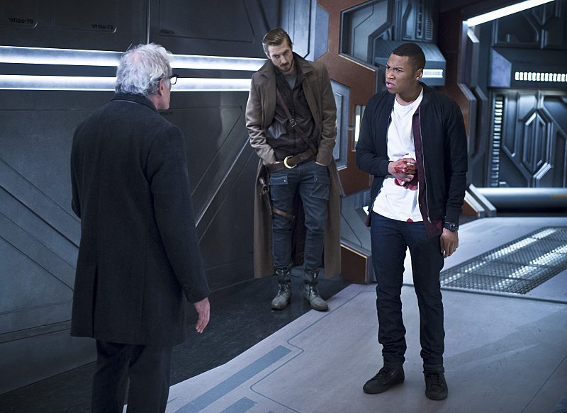"""DC's Legends of Tomorrow -- """"White Knights"""" -- Image LGN104A_0390b.jpg -- Pictured (L-R): Victor Garber as Professor Martin Stein, Arthur Darvill as Rip Hunter and Franz Drameh as Jefferson """"Jax"""" Jackson -- Photo: Diyah Pera/The CW -- �© 2016 The CW Network, LLC. All Rights Reserved."""