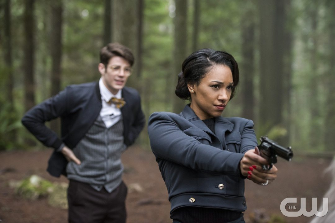"""The Flash -- """"Escape From Earth-2"""" -- Image FLA214b_0126b -- Pictured (L-R): Grant Gustin as Earth 2 Barry Allen and Candice Patton as Earth 2 Iris West -- Photo: Bettina Strauss/The CW -- �© 2016 The CW Network, LLC. All rights reserved."""