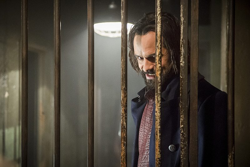 """DC's Legends of Tomorrow -- """"Fail-Safe"""" -- Image LGN105b_0266b.jpg -- Pictured: Casper Crump as Vandal Savage -- Photo: Diyah Pera/The CW -- �© 2016 The CW Network, LLC. All Rights Reserved."""