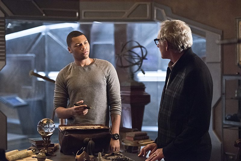 """DC's Legends of Tomorrow -- """"Star City 2046"""" -- Image LGN106a_0169b.jpg �± Pictured (L-R): Franz Drameh as Jefferson """"Jax"""" Jackson and Victor Garber as Professor Martin Stein -- Photo: Dean Buscher/The CW -- �© 2016 The CW Network, LLC. All Rights Reserved."""