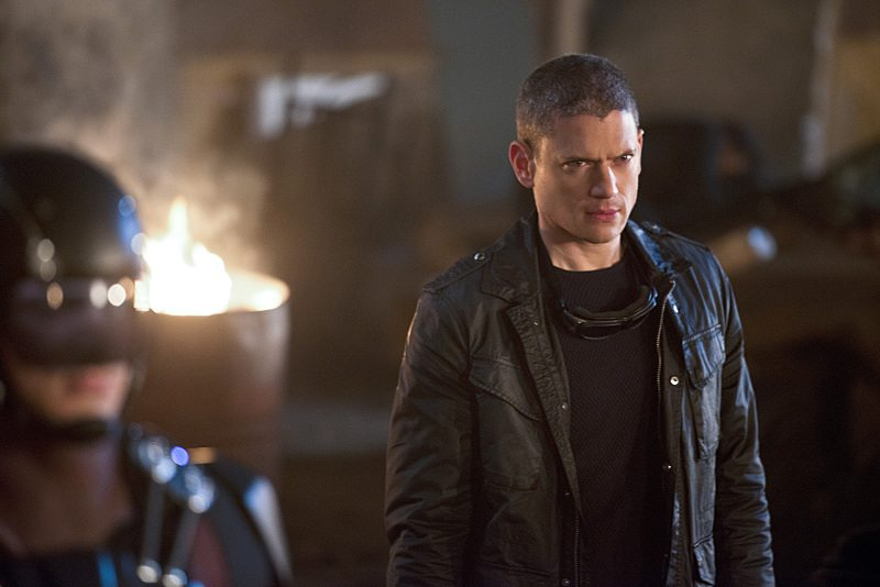 """DC's Legends of Tomorrow -- """"Star City 2046"""" -- Image LGN106b_0361b.jpg -- Pictured: Wentworth Miller as Leonard Snart/Captain Cold -- Photo: Diyah Pera/The CW -- �© 2016 The CW Network, LLC. All Rights Reserved."""