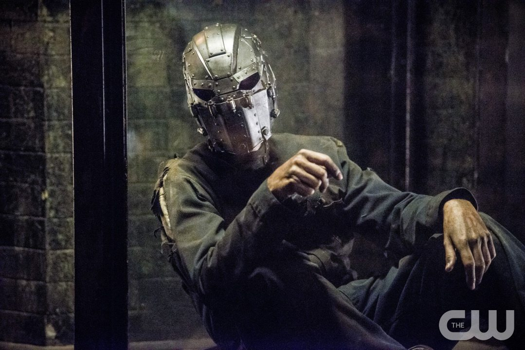 """The Flash -- """"Escape From Earth-2"""" -- Image FLA214a_0171b -- Pictured: Man in the Iron Mask -- Photo: Diyah Pera/The CW -- �© 2016 The CW Network, LLC. All rights reserved."""