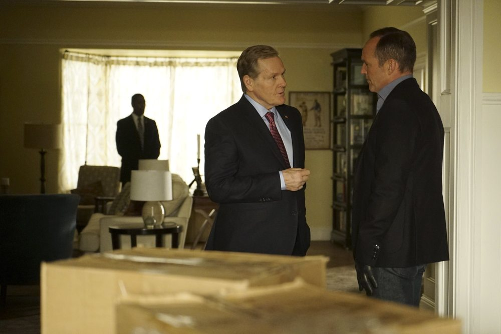 Coulson and President Sadler. (Yes, he was in Iron Man 3). image via ABC/Marvel Entertainment.