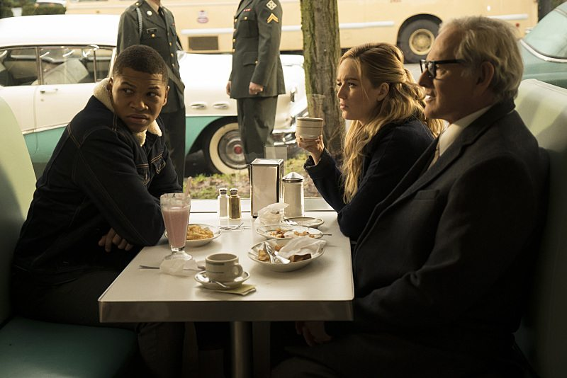 """DC's Legends of Tomorrow -- """"Night of the Hawk"""" -- Image LGN108b_0026.jpg -- Pictured (L-R): Franz Drameh as Jefferson """"Jax"""" Jackson, Caity Lotz as White Canary, and Victor Garber as Professor Martin Stein -- Photo: Katie Yu/The CW -- �© 2016 The CW Network, LLC. All Rights Reserved"""