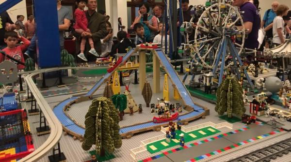 Theme Park Collaboration by Gregg Odium, Stewart S, Nick Halliday, Tim G, Robb, Michael Wilks, Handoko Setyawan (OZLUG)
