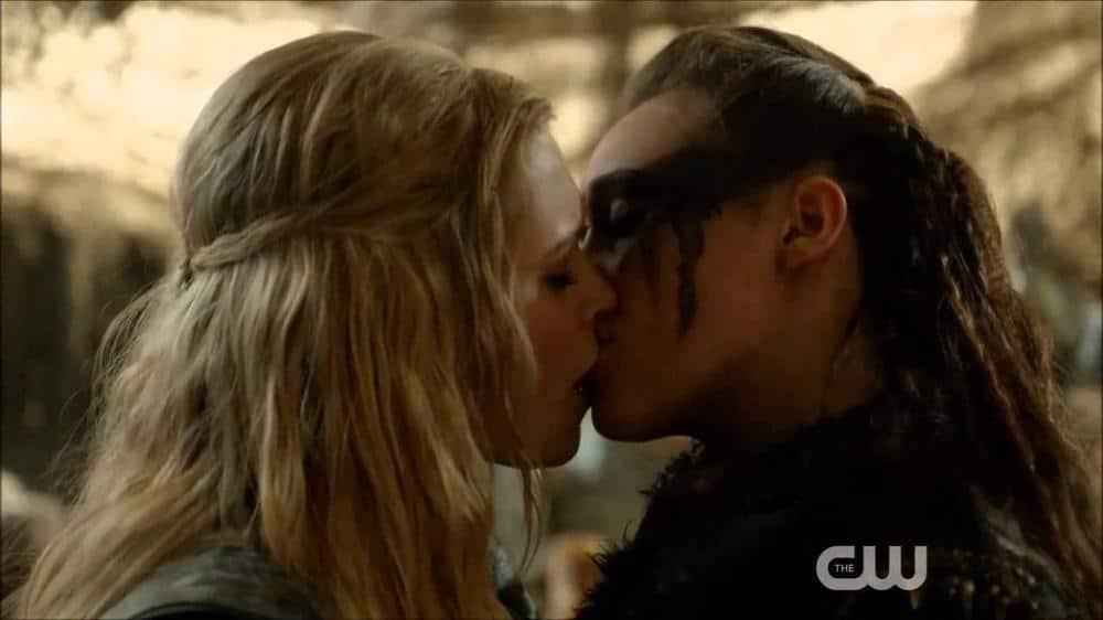 Lexa and Clarke, The 100, image via CW.