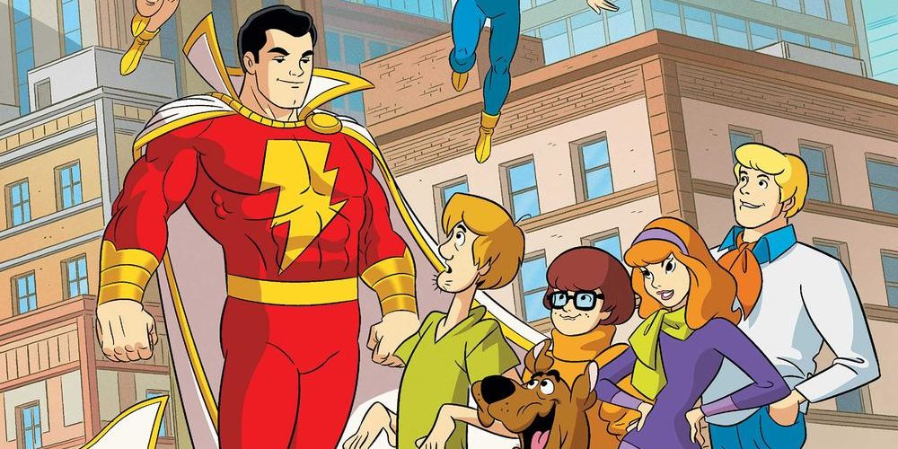 Captain Marvel and the Scoobiy gang meet in Scooby Doo Team Up #16, image via DC Comics.