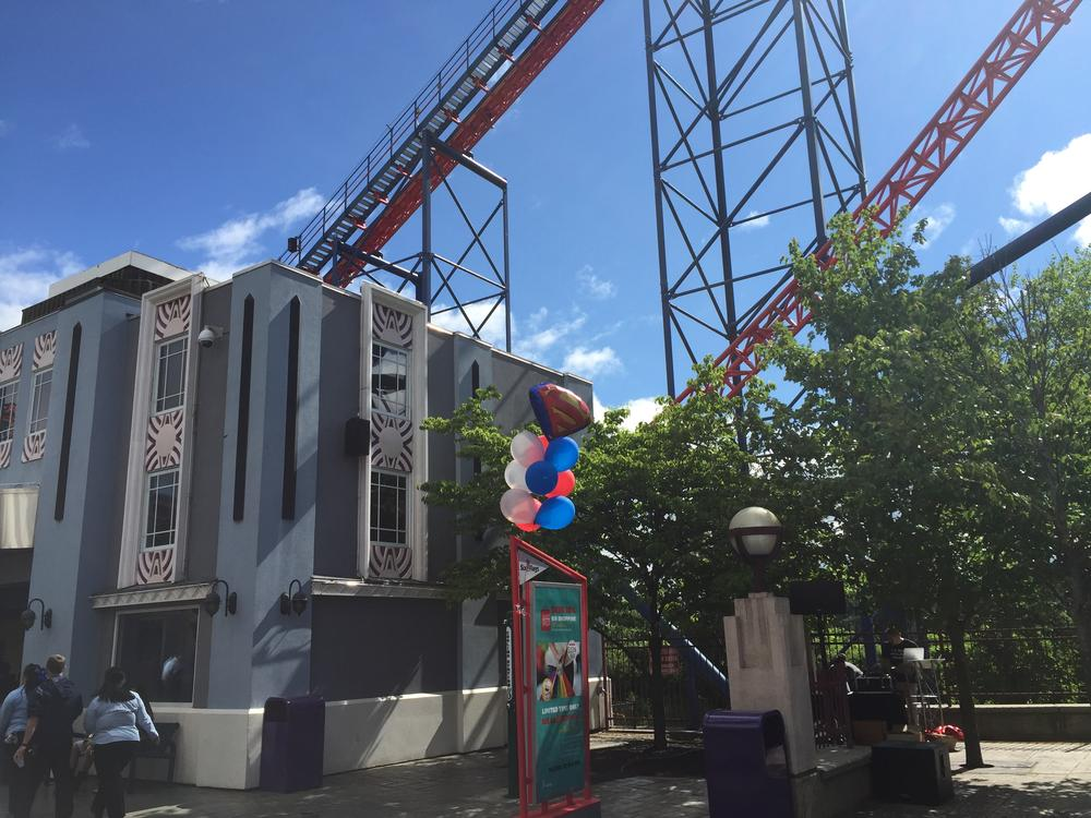 The initial climb to the summit of Superman: The Ride. Photo by Corrina Lawson