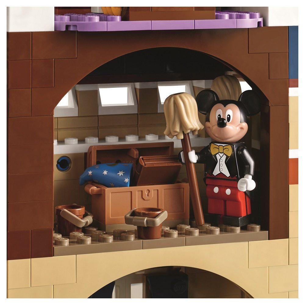 LEGO_71040_6