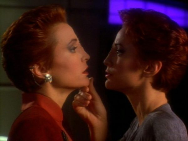 screen cap from DS9: Crossover