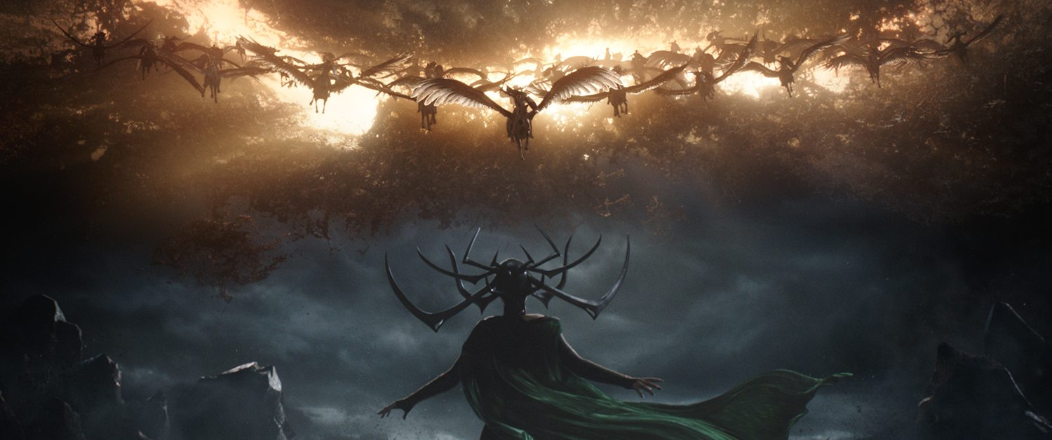 Hela (Cate Blanchett) faces the Valkyrie army