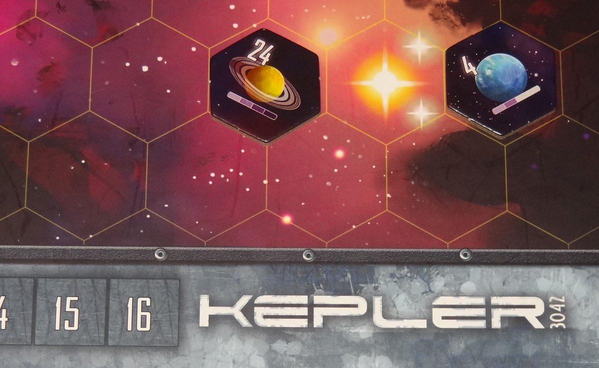 Kepler 3042 tile orientation close-up