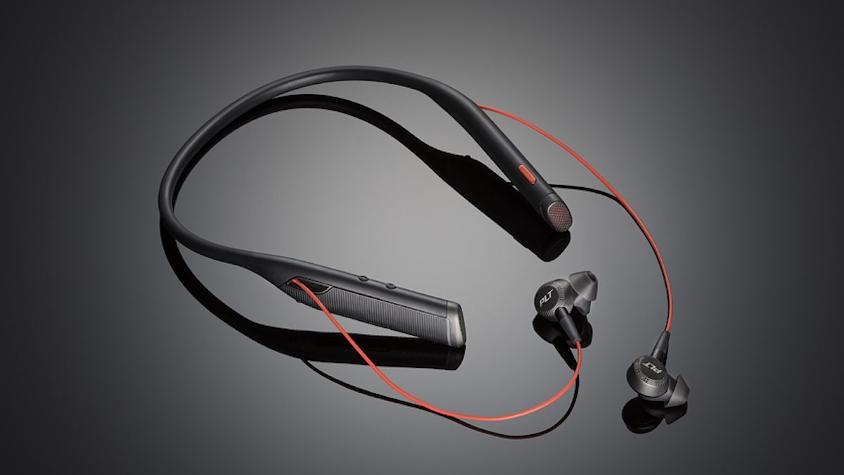 Review The Plantronics Voyager 6200 Uc Was Interesting Enough To Change My Mind Geekdad