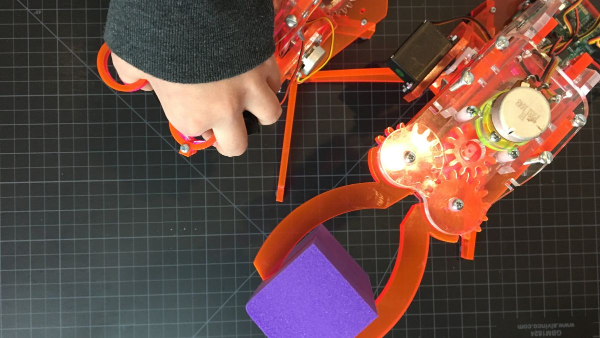 Under manual control, mimicArm operates quite intuitively.