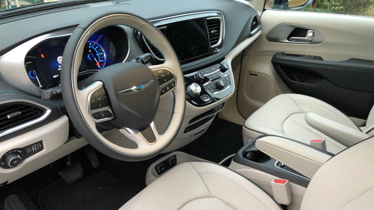 Chrysler-Pacifica-Front-Seat