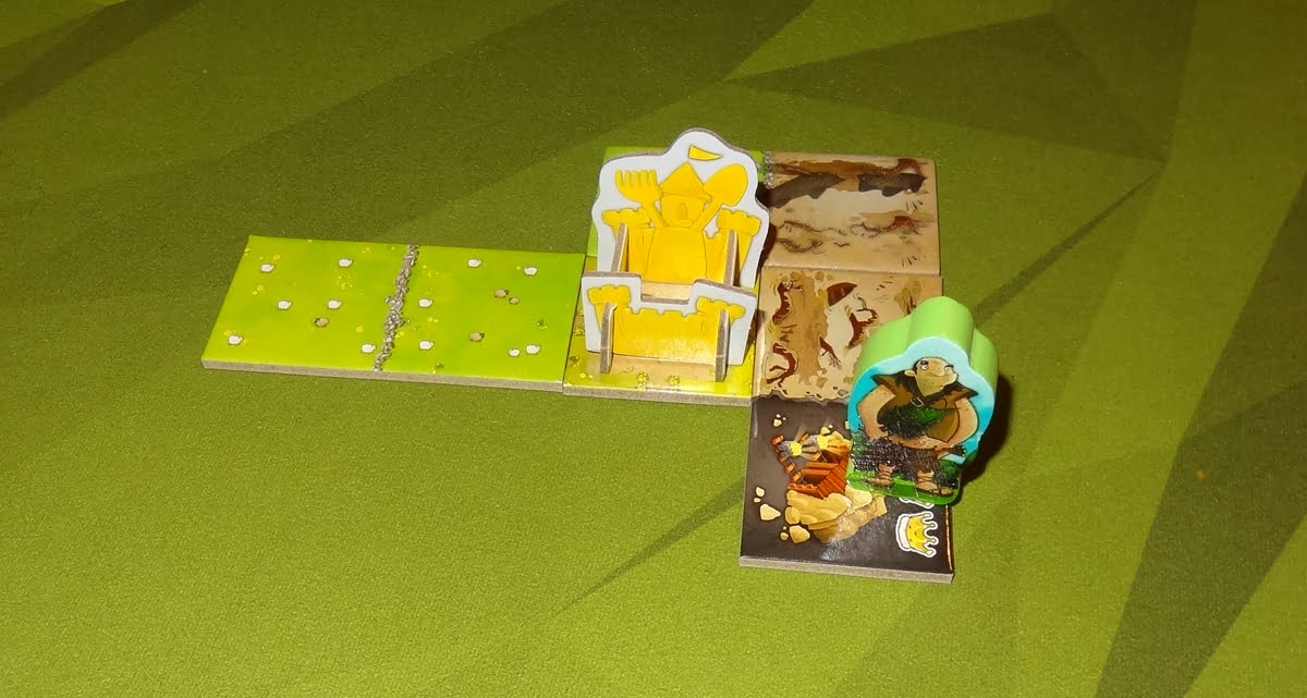 Kingdomino: Age of Giants giant on crown