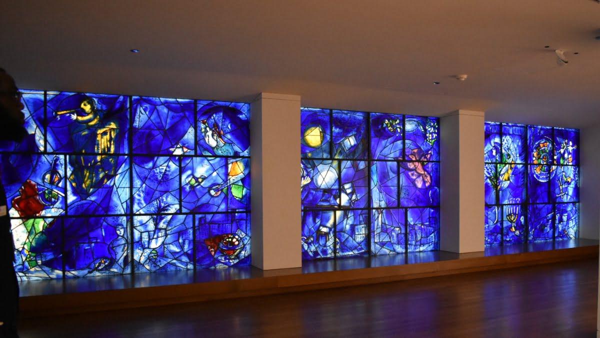 Art-Institute-Chagall-Windows-Chicago